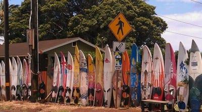 10 cidades ideais para surfistas