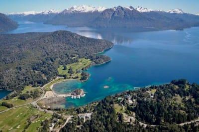 Bariloche reúne neve e paisagens exuberantes na Argentina