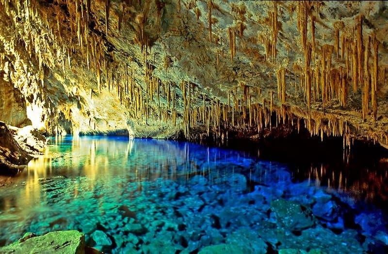 gruta-do-lago-azul