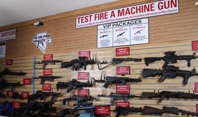 Conheça a loja que aluga armas para você atirar em Las Vegas