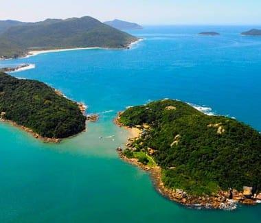 Guarda do Embaú se destaca com belas paisagens no litoral catarinense