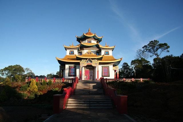 templos budistas do Brasil - três coroas