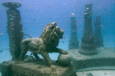 Cemitério no fundo do mar em Miami