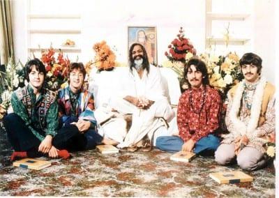 Retiro espiritual dos Beatles reabre na Índia