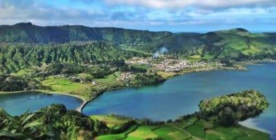 Lagoa Sete Cidades: beleza extrema entre crateras vulcânicas de Portugal