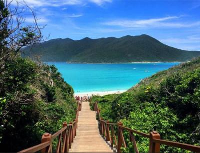 Pontal do Atalaia reserva paisagens caribenhas em pleno Arraial do Cabo, no RJ