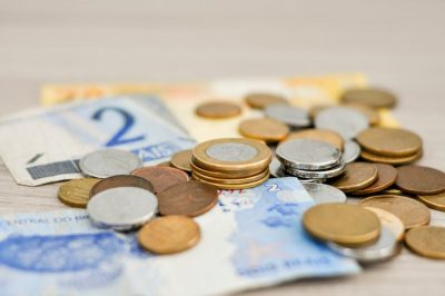8 dicas práticas para juntar dinheiro e fazer a viagem acontecer