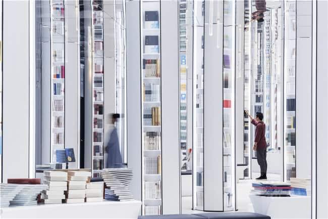 Conheça a Zhongshuge, livraria futurista na China que tem um visual incrível