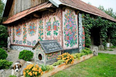 Conheça Zalipie, vila na Polônia onde flores estão por toda parte