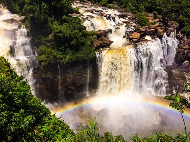 No Mato Grosso, Aripuanã revela belas cachoeiras em meio à floresta amazônica