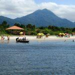 Sem energia elétrica, Ilha do Cardoso tem praias desertas e muito sossego em São Paulo