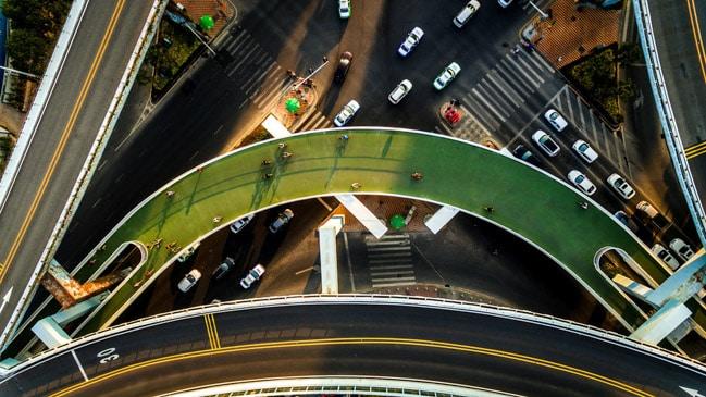 Maior ciclovia elevada do mundo fica na China, onde você pode pedalar nas alturas