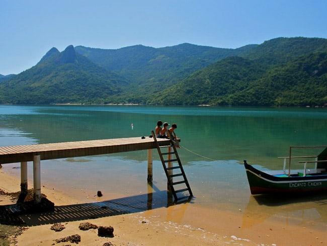 Saco do Mamanguá: refúgio caiçara entre mar e montanhas de Paraty