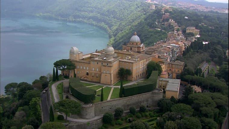Conheça Castel Gandolfo, o refúgio de verão dos Papas na Itália
