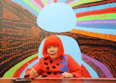 Famosa por sua obsessão em bolinhas, Yayoi Kusama abre um museu em Tóquio