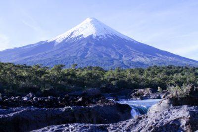 Com paisagens surpreendentes, Vulcão Osorno é uma das joias do Chile